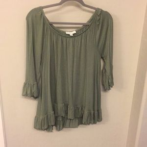 Cute forest green top